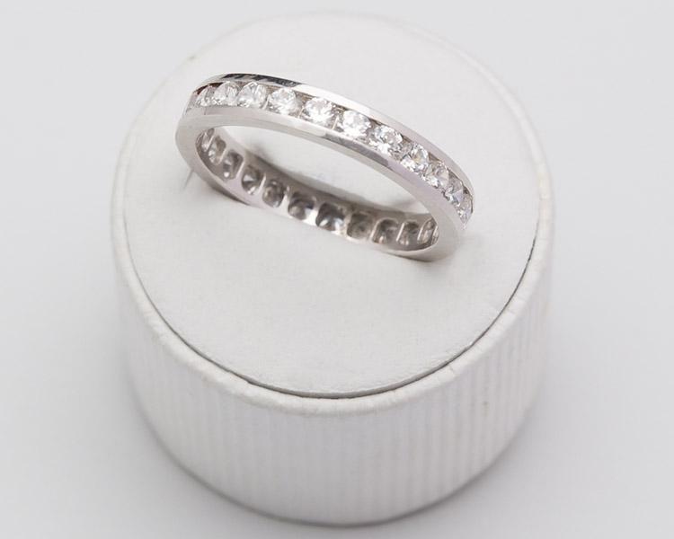 f5b83b69a803 Alianzas de boda y de compromiso