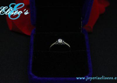 anillo-solitario-regalo-navidad-joyeria-eliseos-malaga