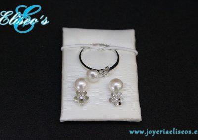 conjunto-pendientes-anillo-oro-blanco-forma-hoja-perlas-joyeria-eliseos-malaga