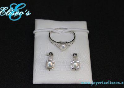 conjunto-pendientes-anillo-oro-blanco-perlas-joyeria-eliseos-malaga