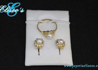 conjunto-pendientes-anillo-oro-flor-perlas-joyeria-eliseos-malaga