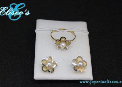 conjunto-pendientes-anillo-oro-forma-flor-con-perlas-joyeria-eliseos-malaga