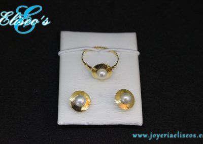 conjunto-pendientes-anillo-oro-forma-redonda-con-perlas-joyeria-eliseos-malaga